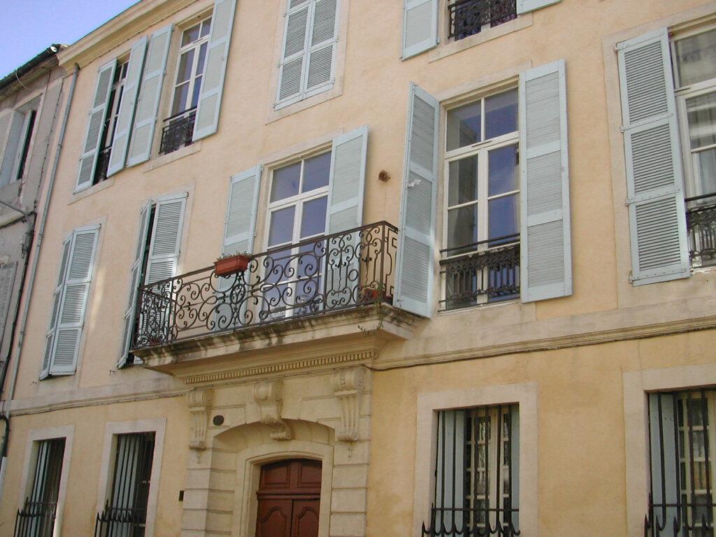 Appartement à louer 2 40m2 à Nîmes vignette-1