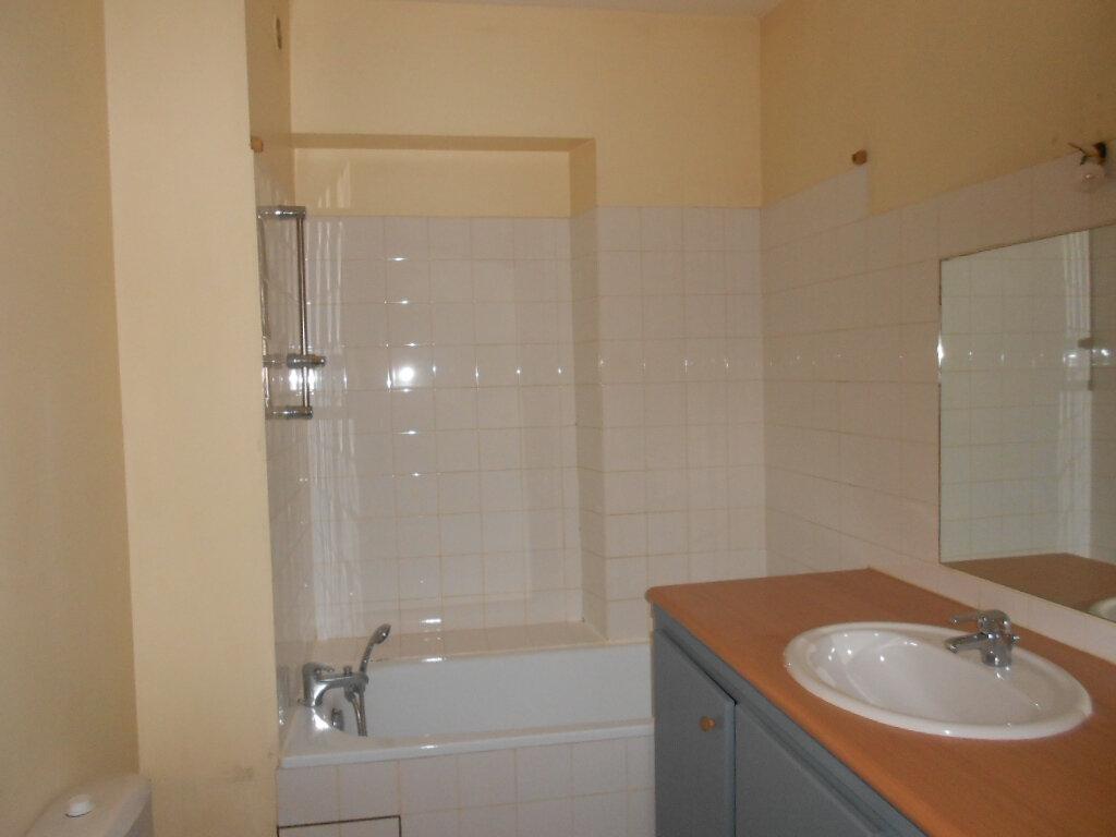 Appartement à louer 2 40m2 à Nîmes vignette-5