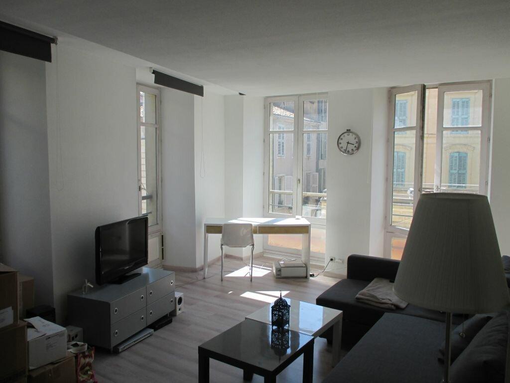 Appartement à louer 2 40m2 à Nîmes vignette-2