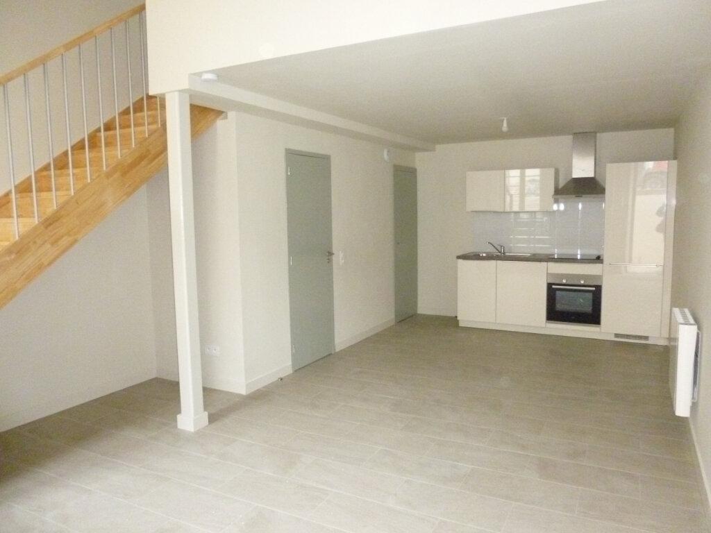 Appartement à louer 2 42.9m2 à Nîmes vignette-2