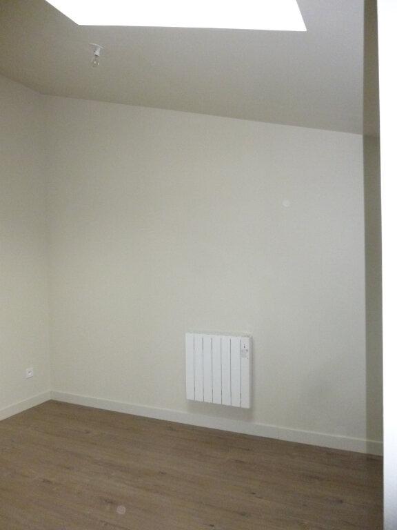 Appartement à louer 2 42.9m2 à Nîmes vignette-5