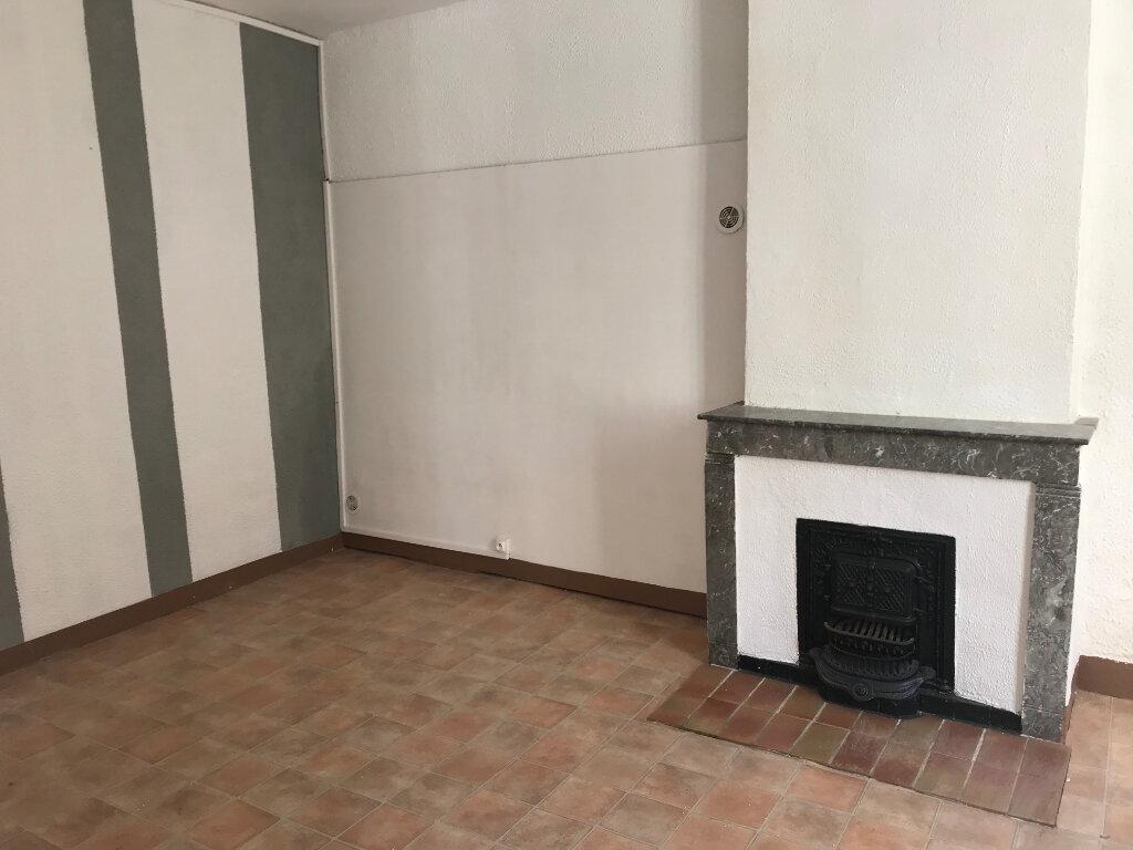 Appartement à louer 2 45m2 à Nîmes vignette-3