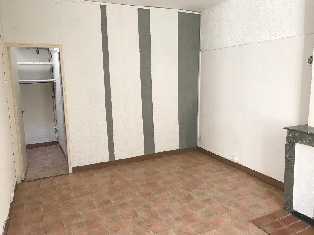 Appartement à louer 2 45m2 à Nîmes vignette-4