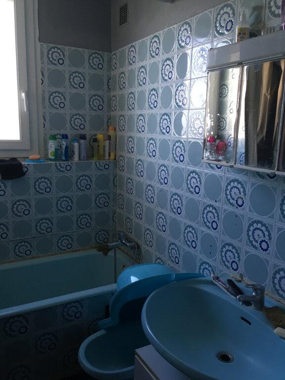 Appartement à louer 3 62m2 à Nîmes vignette-4