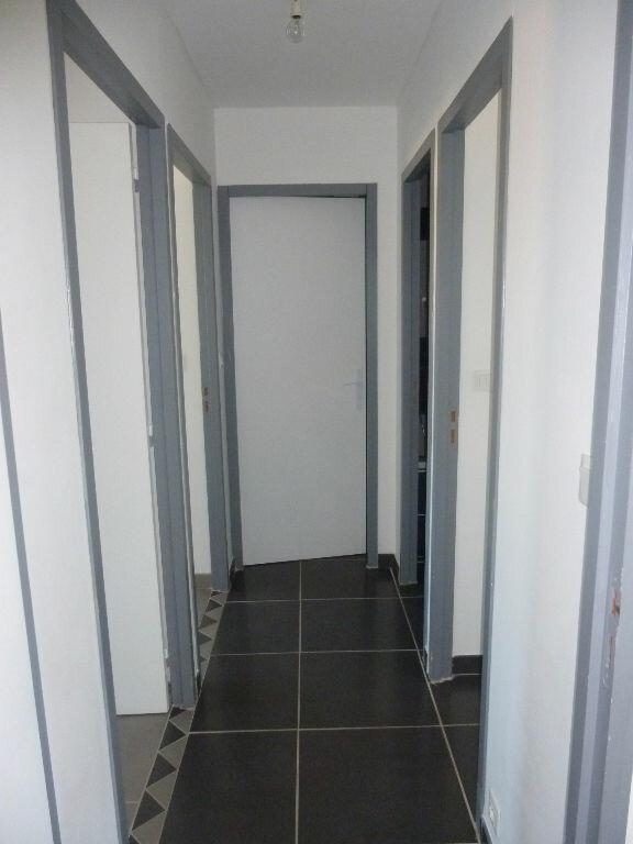 Appartement à louer 4 106m2 à Nîmes vignette-9