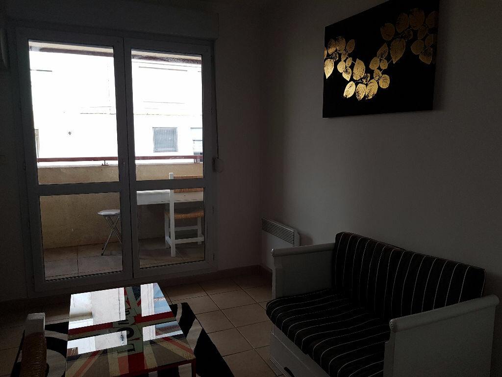 Appartement à louer 2 30m2 à Nîmes vignette-3