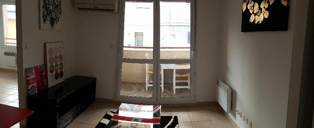Appartement à louer 2 30m2 à Nîmes vignette-4