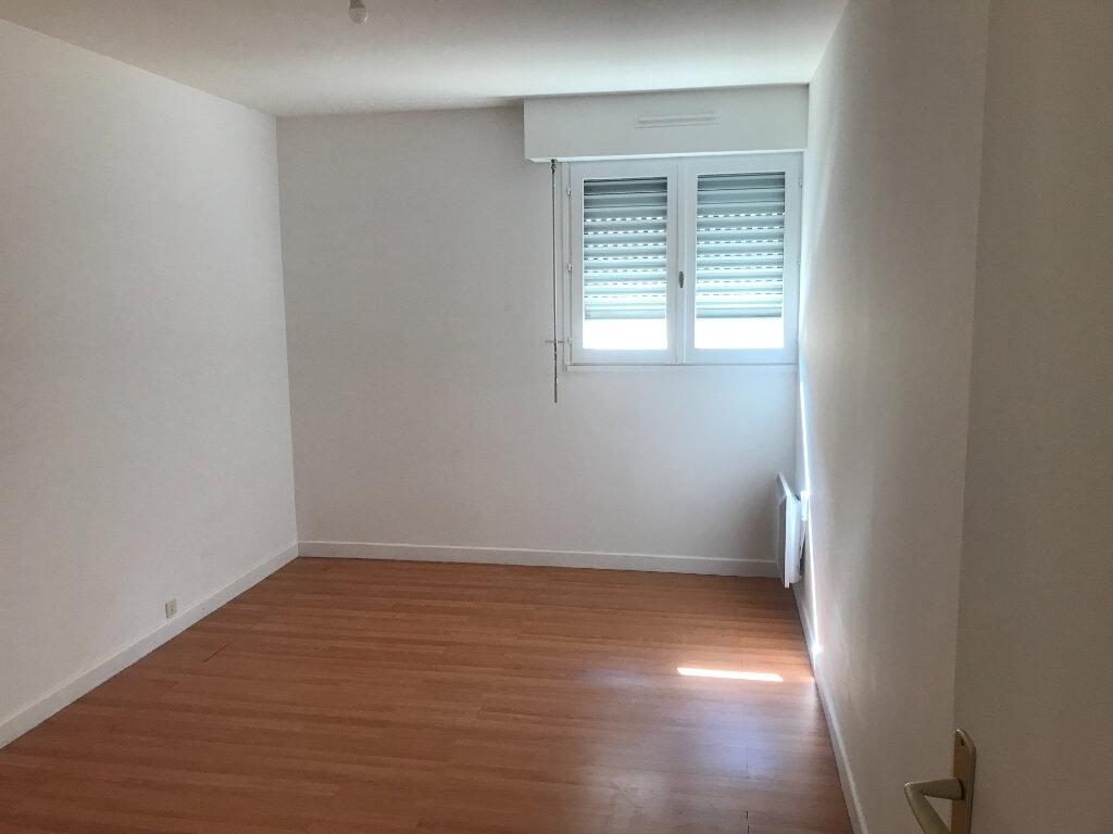Appartement à louer 3 72m2 à Nîmes vignette-6