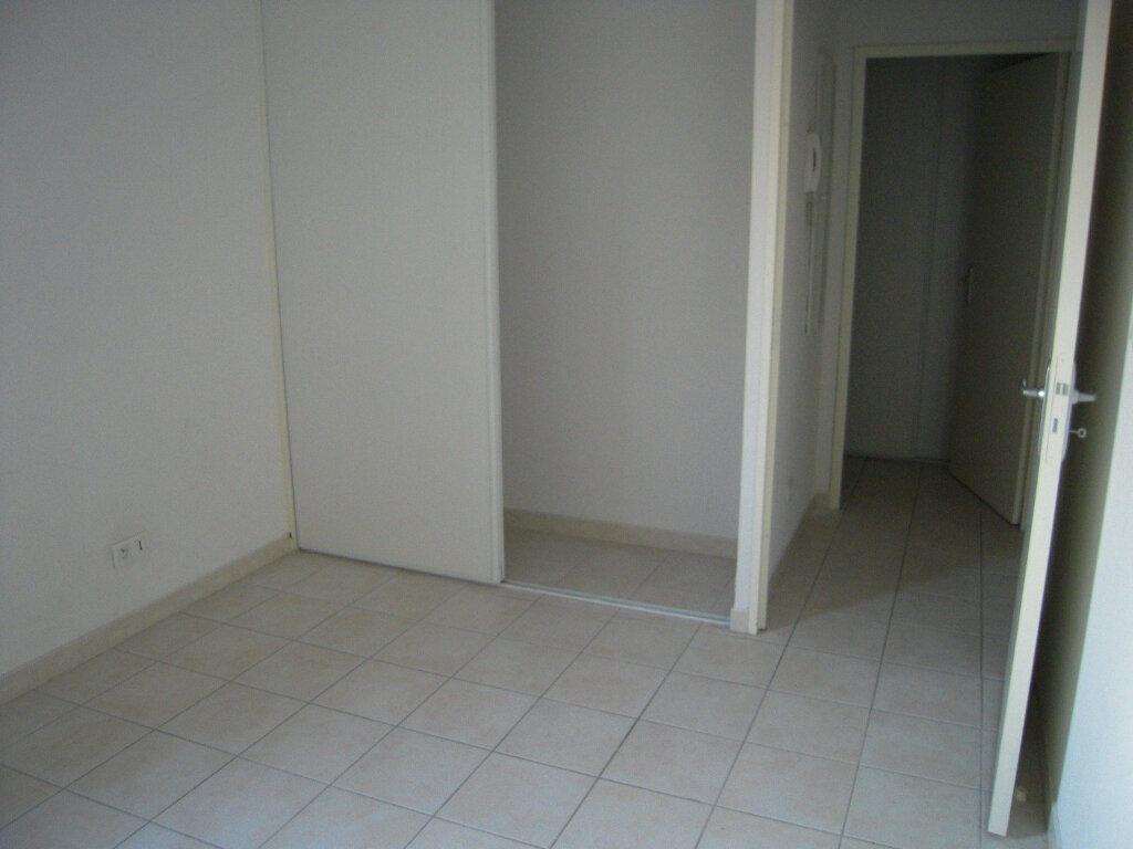 Appartement à louer 2 46m2 à Nîmes vignette-4