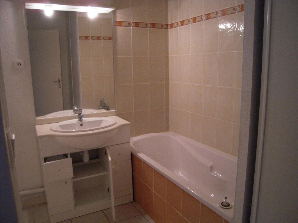 Appartement à louer 2 46m2 à Nîmes vignette-5