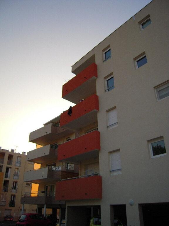Appartement à louer 2 46m2 à Nîmes vignette-6