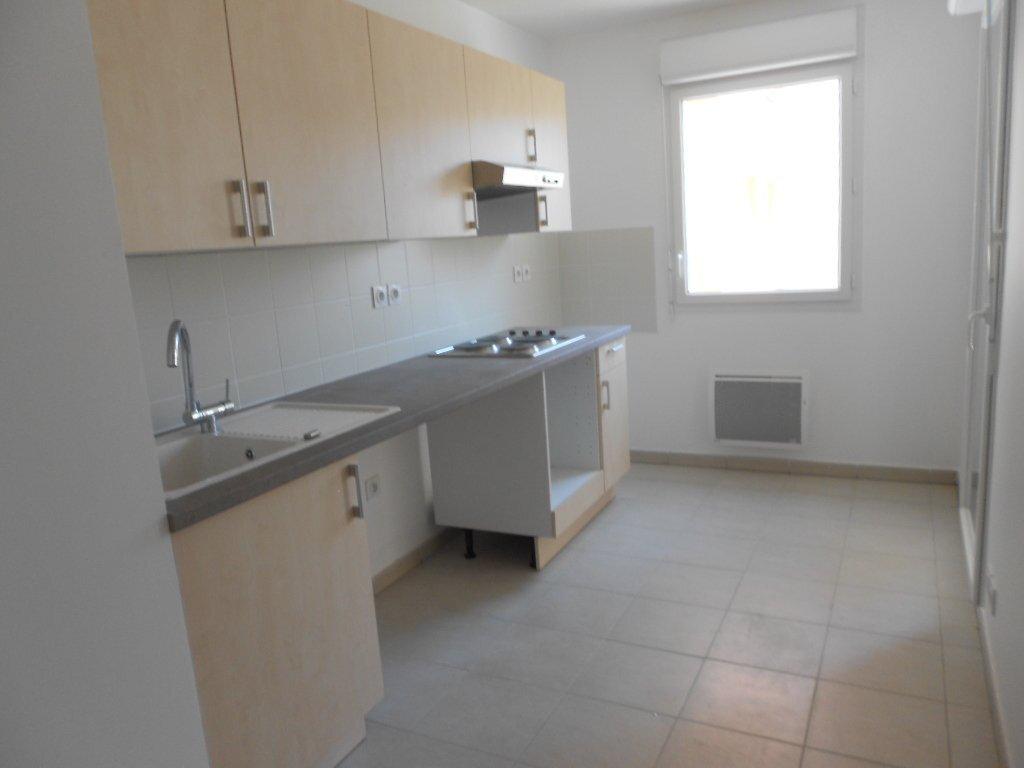 Appartement à louer 3 71m2 à Nîmes vignette-1