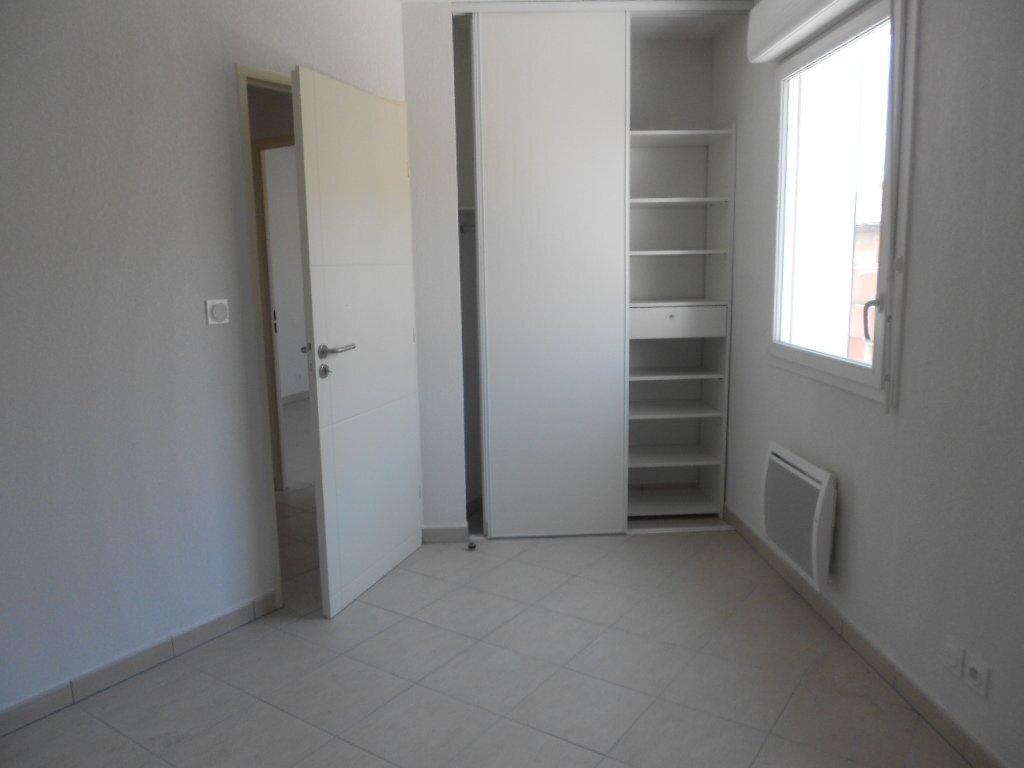 Appartement à louer 3 71m2 à Nîmes vignette-4