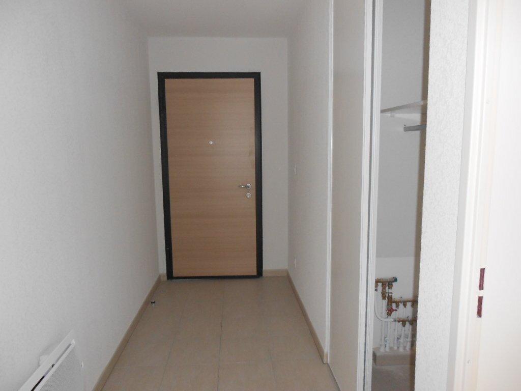 Appartement à louer 3 71m2 à Nîmes vignette-5