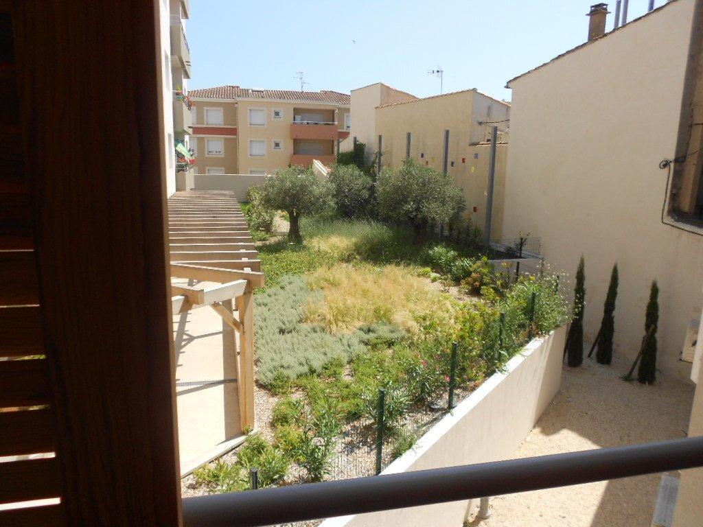 Appartement à louer 3 71m2 à Nîmes vignette-6