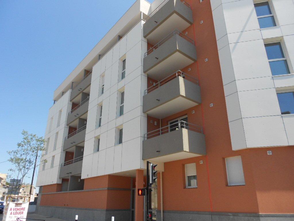 Appartement à louer 3 71m2 à Nîmes vignette-8