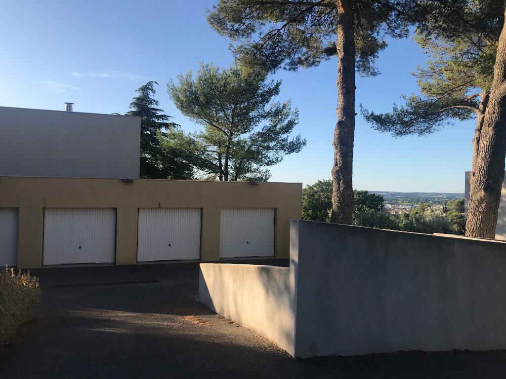 Maison à louer 3 65.4m2 à Nîmes vignette-6