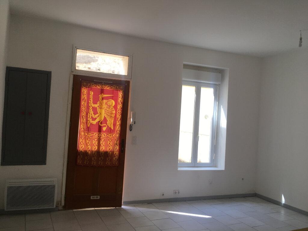 Appartement à louer 1 27m2 à Nîmes vignette-4