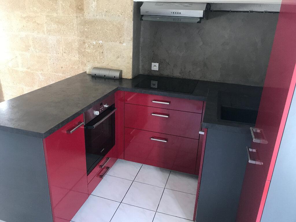 Appartement à louer 3 42m2 à Nîmes vignette-1