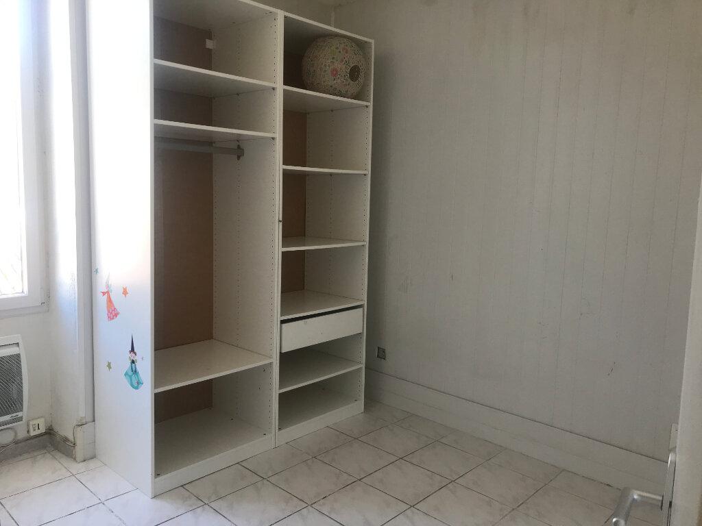 Appartement à louer 3 42m2 à Nîmes vignette-5