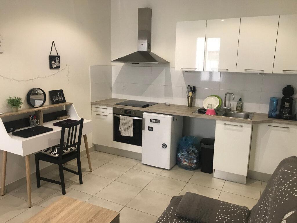 Appartement à louer 1 27.44m2 à Nîmes vignette-3