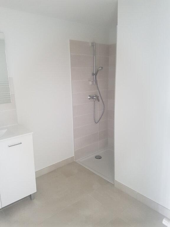 Appartement à louer 1 37m2 à Nîmes vignette-6