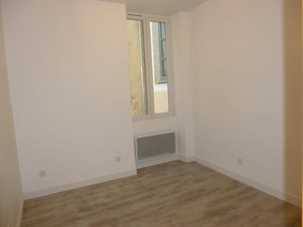 Appartement à louer 2 50m2 à Nîmes vignette-6