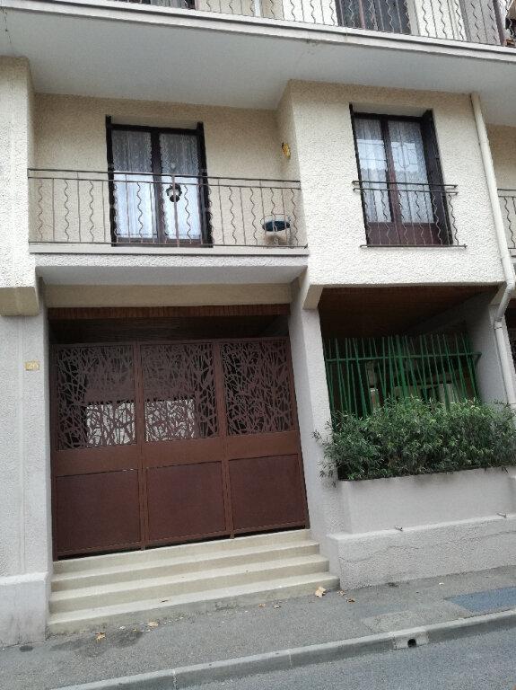 Appartement à louer 2 60.42m2 à Nîmes vignette-1