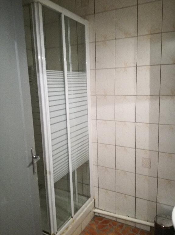Appartement à louer 2 60.42m2 à Nîmes vignette-7