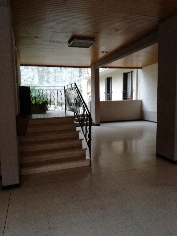Appartement à louer 2 60.42m2 à Nîmes vignette-9