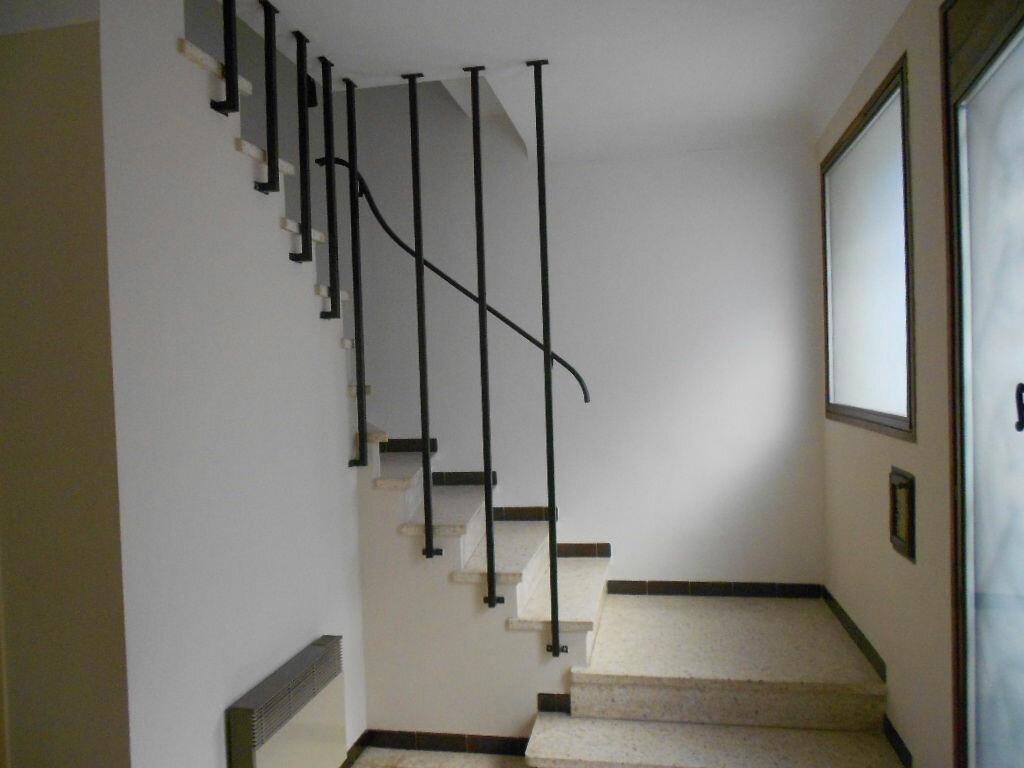 Maison à louer 4 78m2 à Bouillargues vignette-3