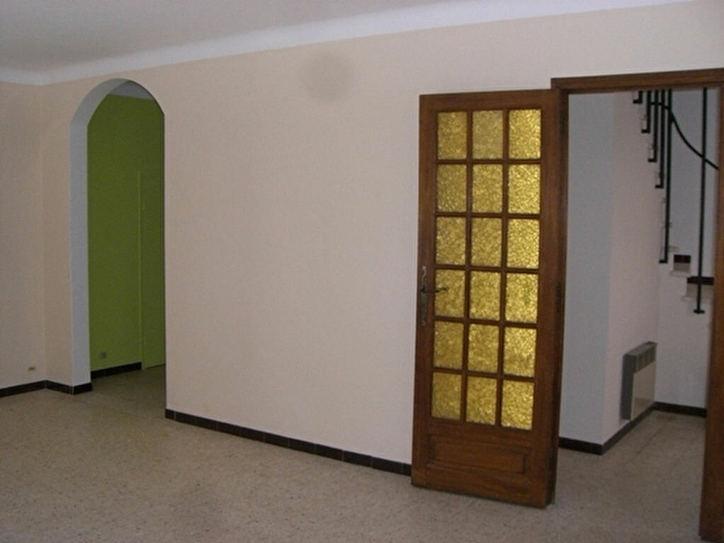 Maison à louer 4 78m2 à Bouillargues vignette-5
