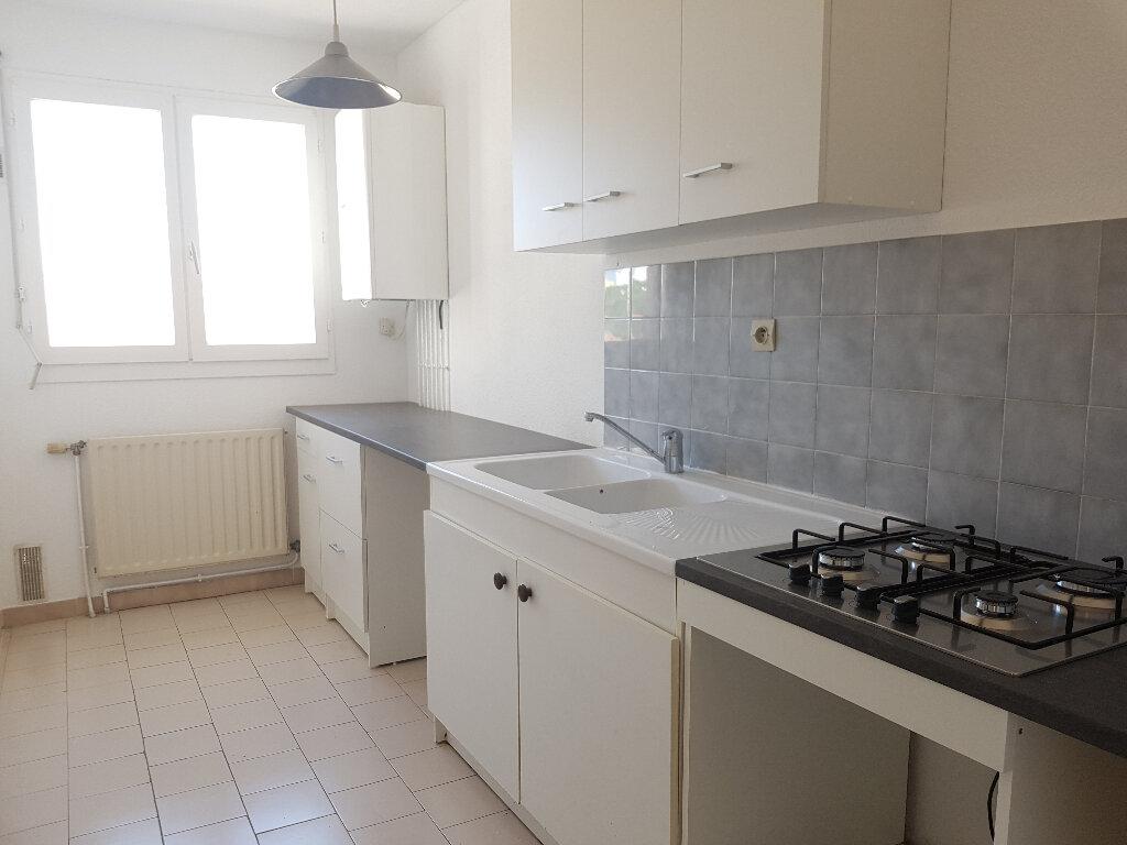 Appartement à louer 2 48m2 à Nîmes vignette-1