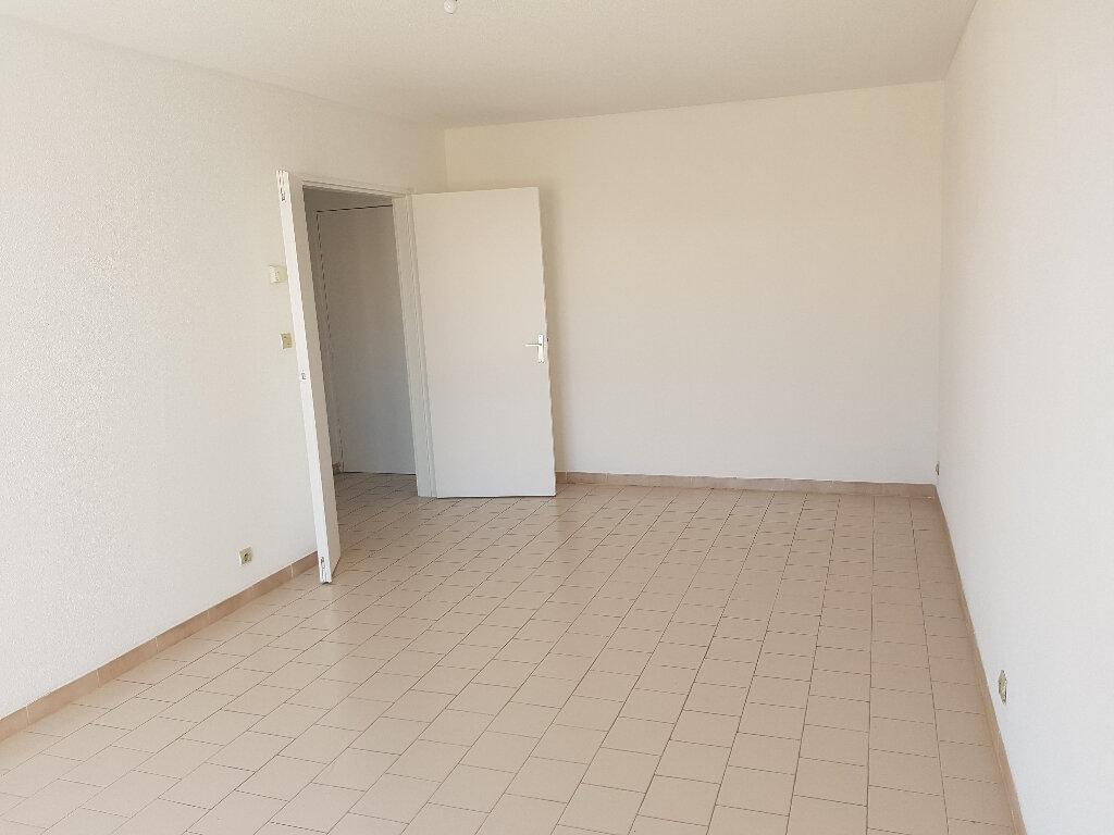 Appartement à louer 2 48m2 à Nîmes vignette-4