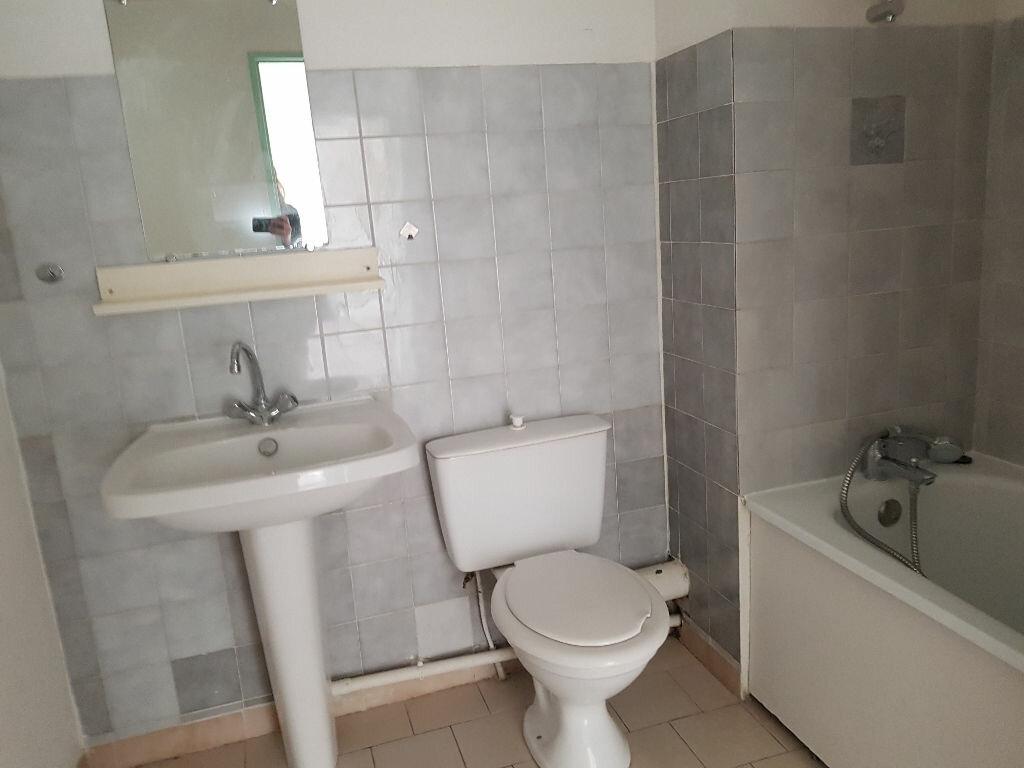 Appartement à louer 2 48m2 à Nîmes vignette-5