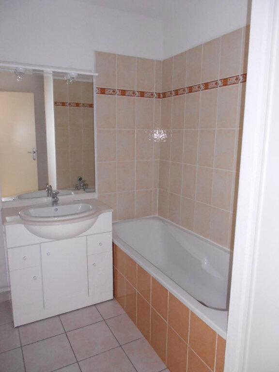 Appartement à louer 2 46.9m2 à Nîmes vignette-5