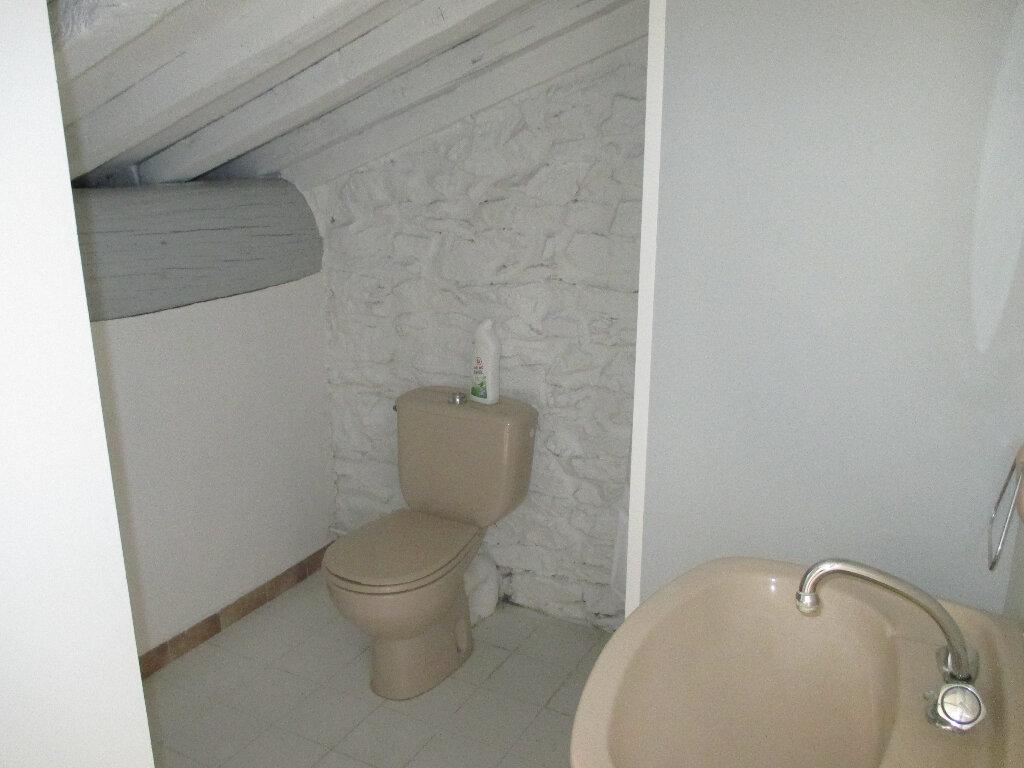 Appartement à louer 1 20m2 à Nîmes vignette-6