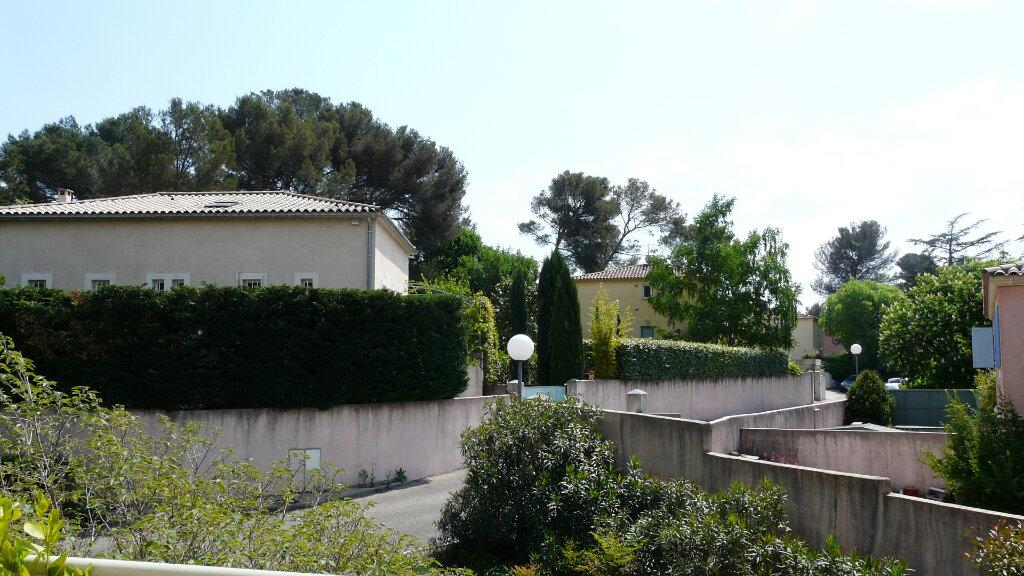 Appartement à louer 4 74m2 à Nîmes vignette-1