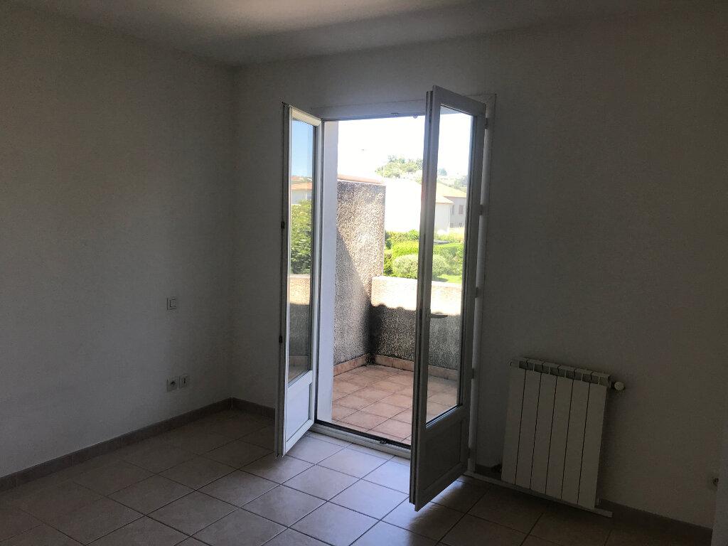 Maison à louer 4 80m2 à Alès vignette-4