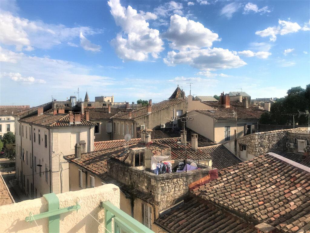 Appartement à louer 4 89.65m2 à Nîmes vignette-1