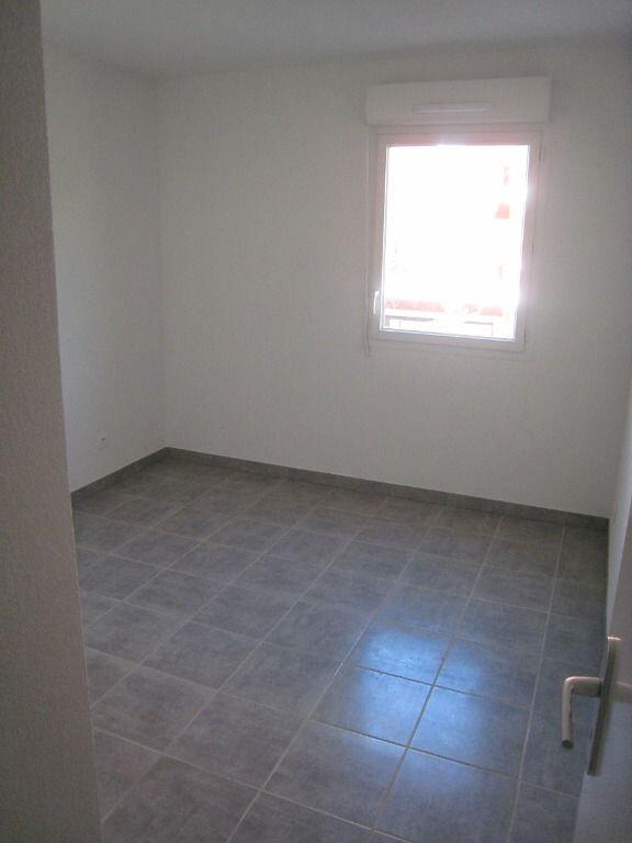 Appartement à louer 3 56m2 à Nîmes vignette-4