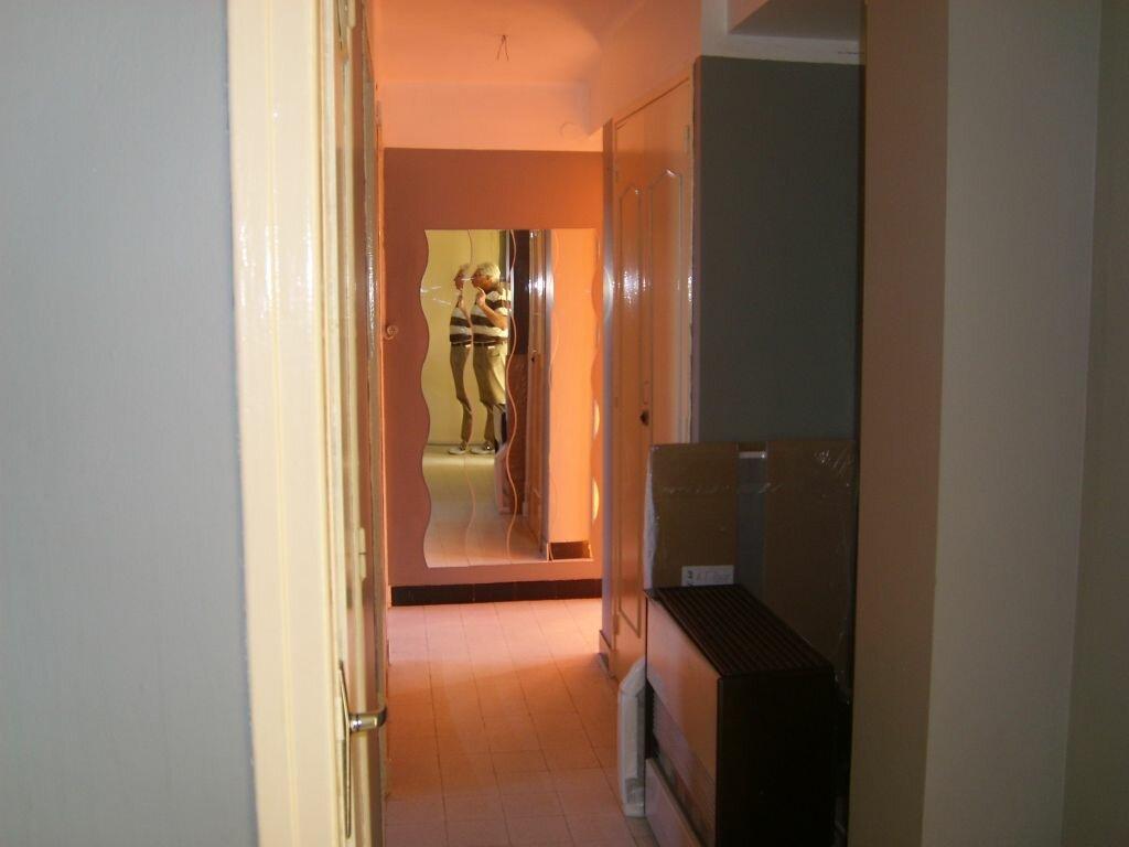 Appartement à louer 4 67m2 à Nîmes vignette-4