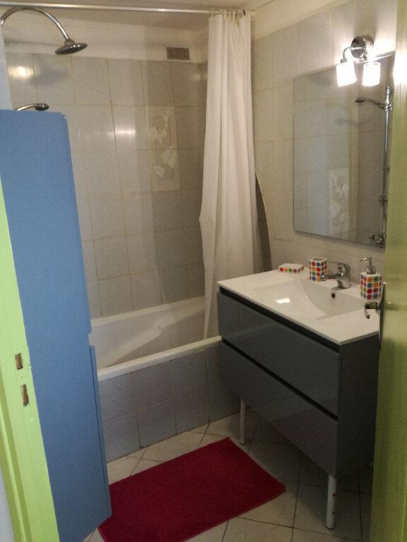 Appartement à louer 1 22.5m2 à Nîmes vignette-4