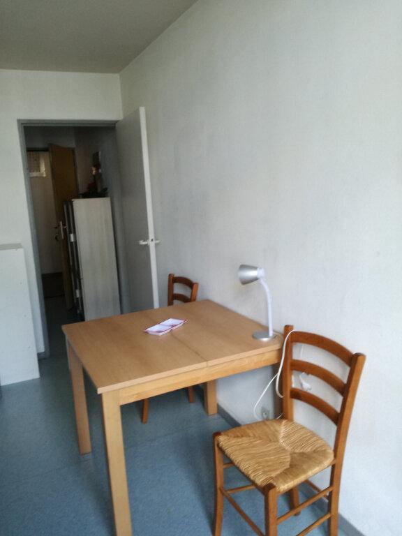 Appartement à louer 1 23m2 à Nîmes vignette-6