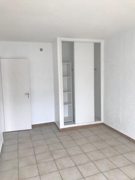Appartement à louer 3 55m2 à Nîmes vignette-4