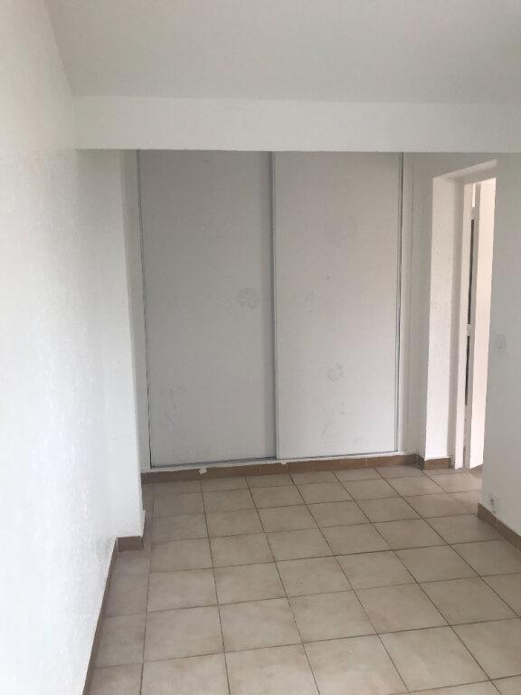 Appartement à louer 3 55m2 à Nîmes vignette-6