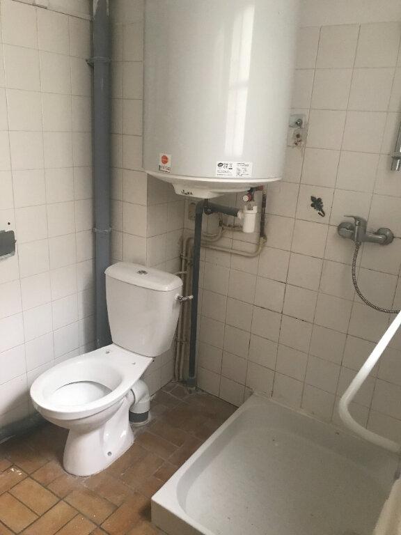 Appartement à louer 3 55m2 à Nîmes vignette-10