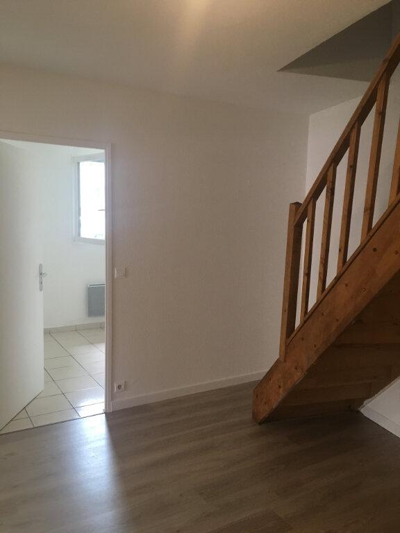 Appartement à louer 4 74m2 à Boucoiran-et-Nozières vignette-5