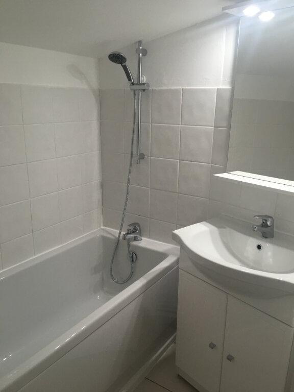 Appartement à louer 4 74m2 à Boucoiran-et-Nozières vignette-8