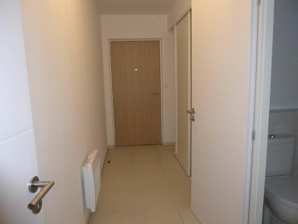 Appartement à louer 1 37.91m2 à Nîmes vignette-6